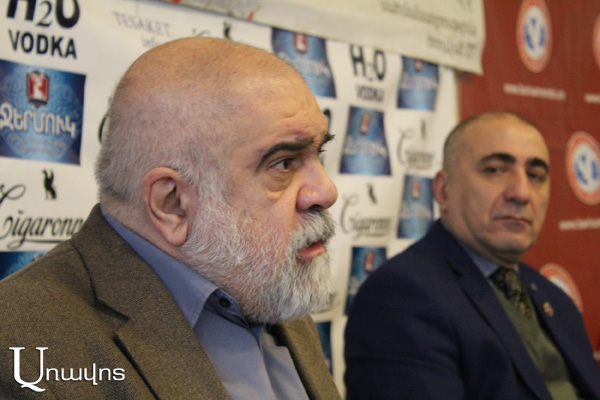 'Economic issues expected in Azerbaijan, clan fights in process': political scientist